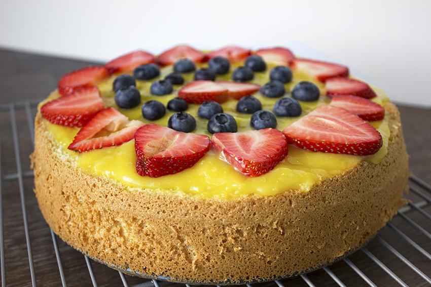 Italian Fruit Cake Recipes: Italian Sponge Cake With Lemon Custard