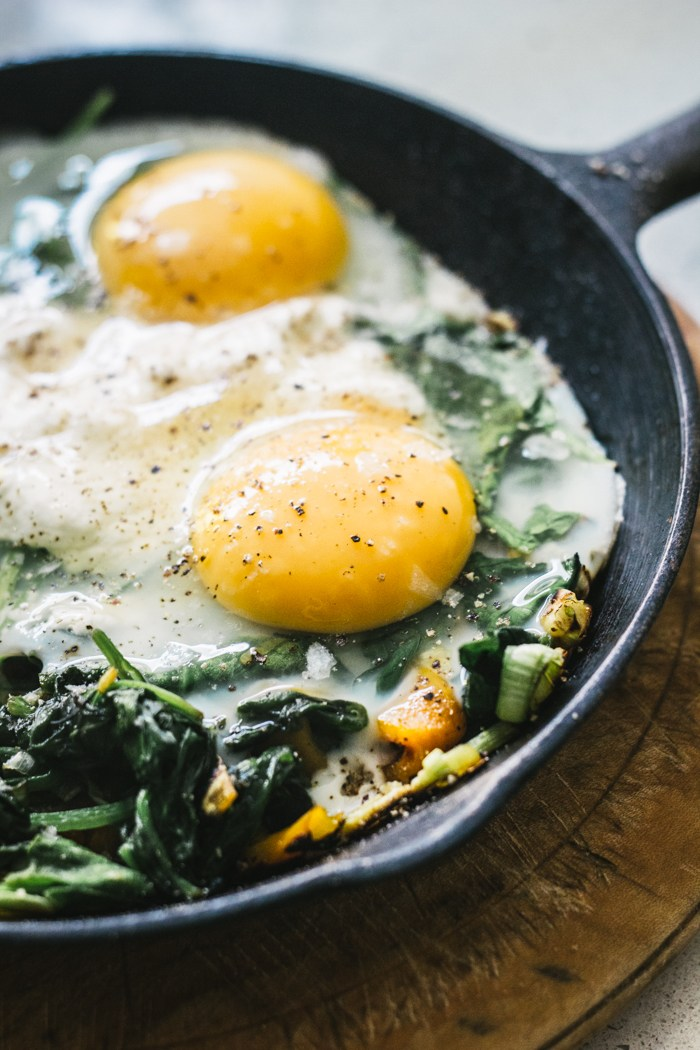 Baked Eggs with Spinach, Ricotta, Leek and Chargrilled Pepper | Top ...